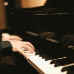 フジコヘミングはピアノが下手で評価は?年齢や家族を調査!